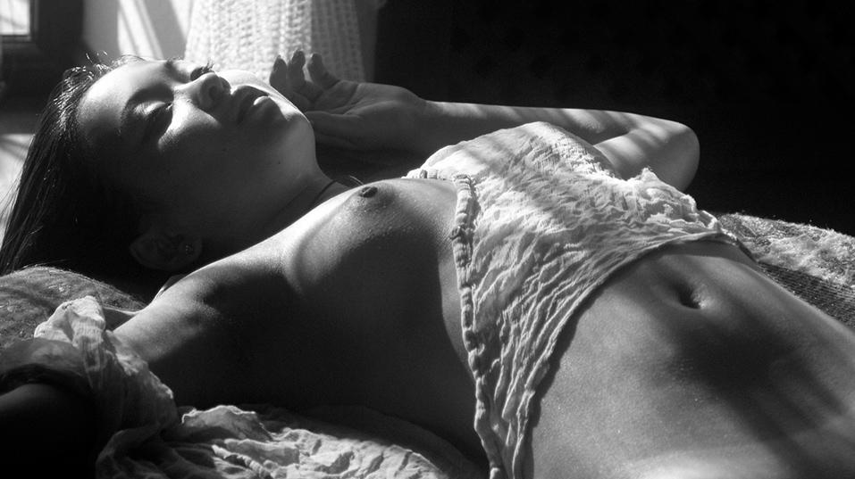Эротическое фото для спальни
